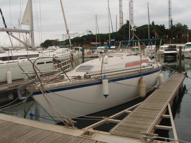 32ft Jeanneau , under used.